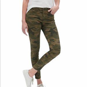 Gap Mid Rise Camo Legging Skimmer Jeans 31